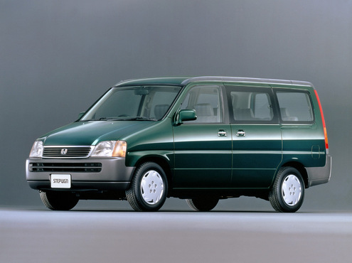 Honda_stepwagon_2000_original