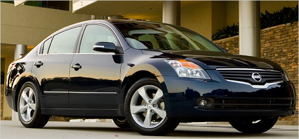 Nissan_altima_2007_original