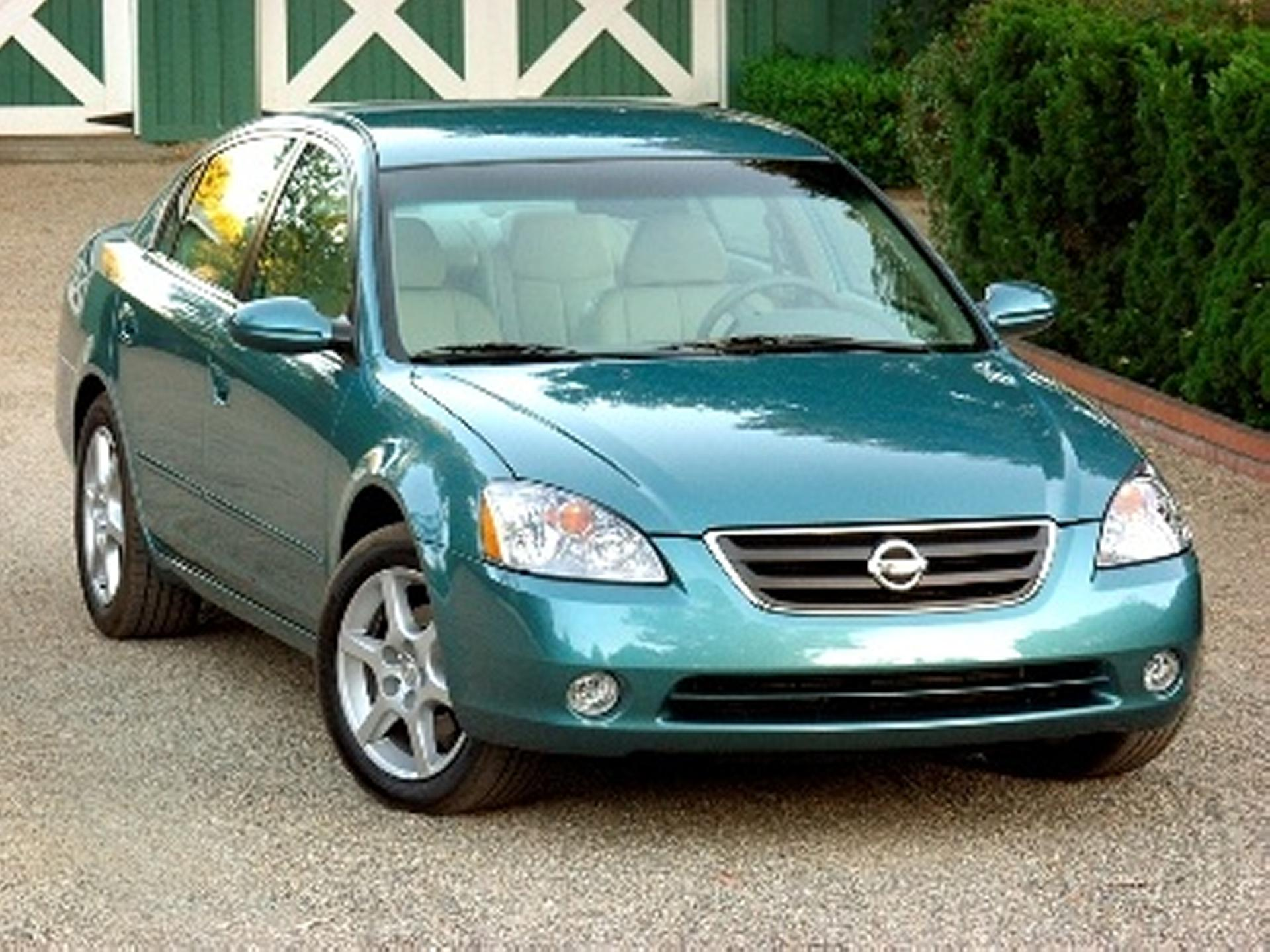 Nissan_altima_2002_original