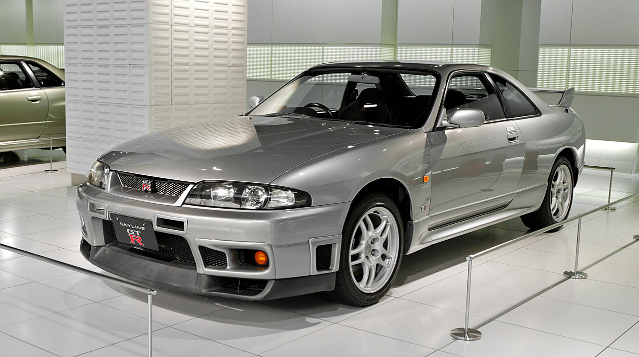 Nissan_skyline_(r33)_original