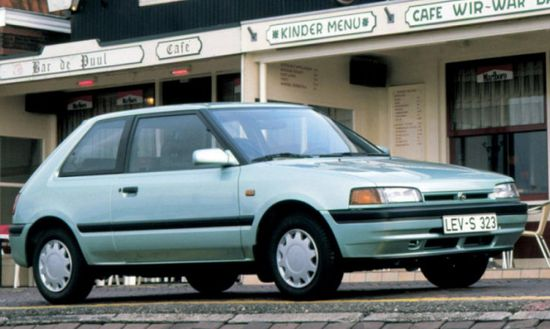 Mazda_323_hatchback_3_door_1989_original