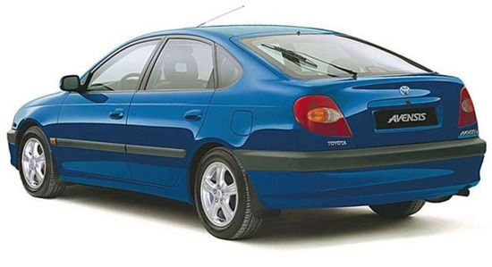 Toyota_avensis_hatchback_5_door_1997_original