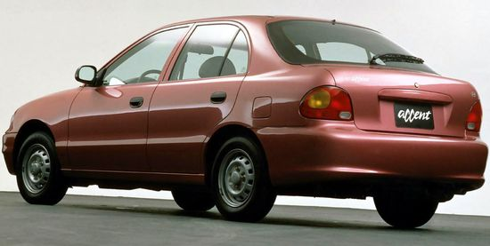 Hyundai_accent_3-door_original