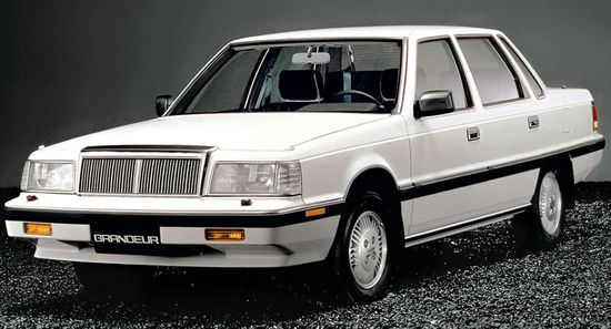 Hyundai_grandeur_sedan_1986_original