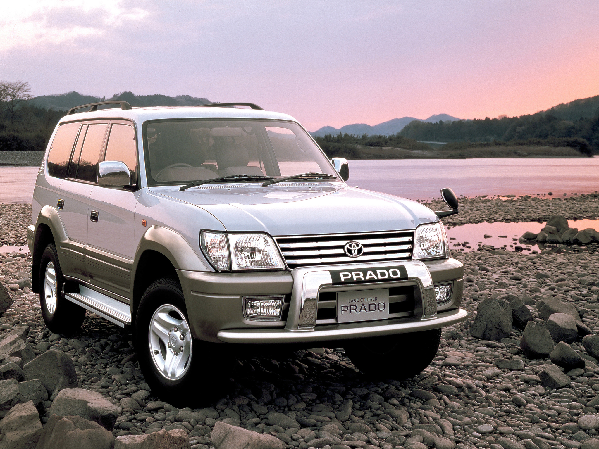 Land_cruiser_prado_90_(j90)_original